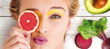 Alimente sua pele com uma colorida rotina de beleza