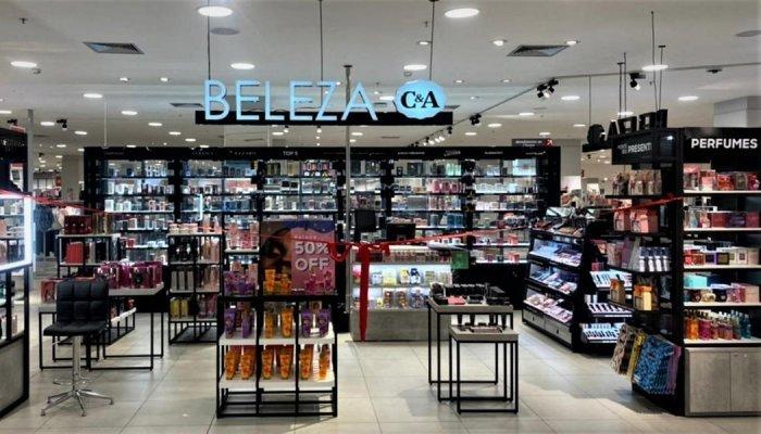 Mais de 30% das lojas C&A já têm espaços exclusivos de venda de cosméticos